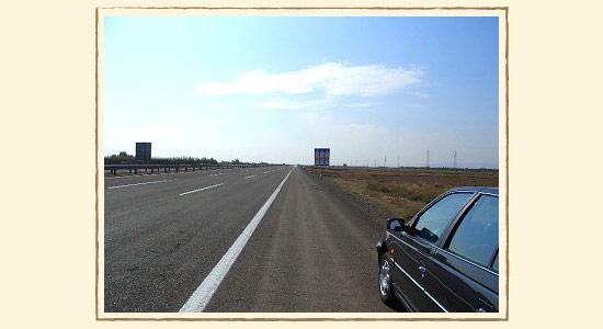 まっすぐな高速道路